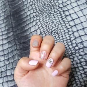 Lavender Circles Nail Art