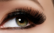 Benefits & Methods Of Using Castor Oil For Eyebrows