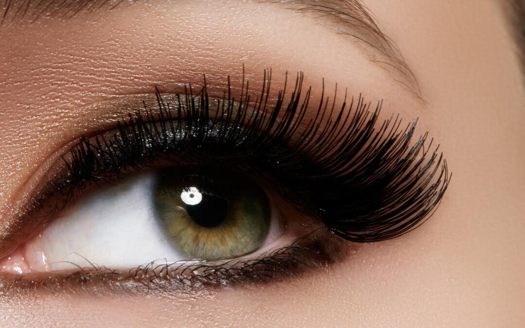 Benefits & Methods Of Using Castor Oil For Eyebrows
