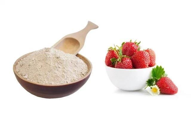 Strawberries And Corn Flour