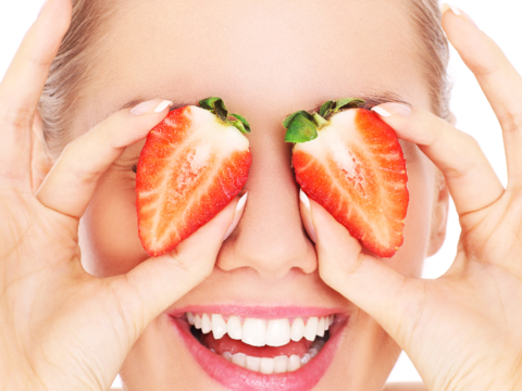 Strawberry Benefits for eyes