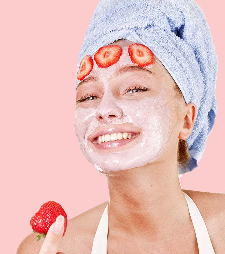 Strawberry Juice To Clean Dead Skin