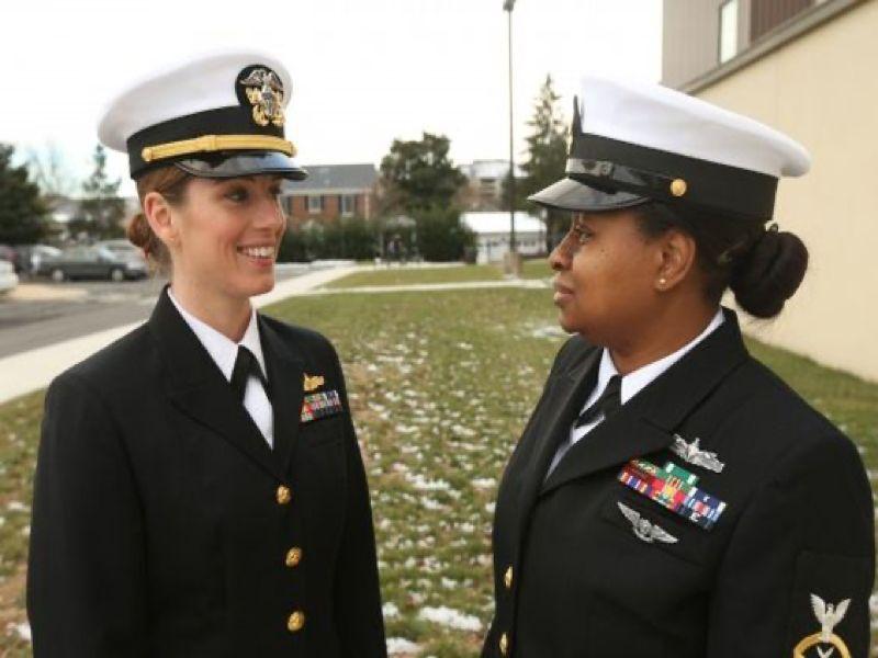 Fashion-Free Navy